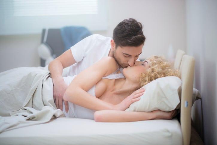 Секс с партнером во время месячных
