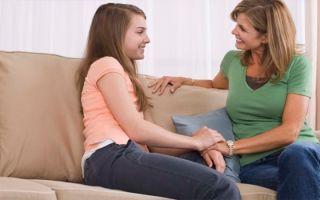 В каком возрасте начинаются месячные у девочек и как они протекают