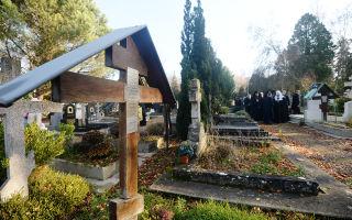 Можно ли посещать кладбище во время месячных